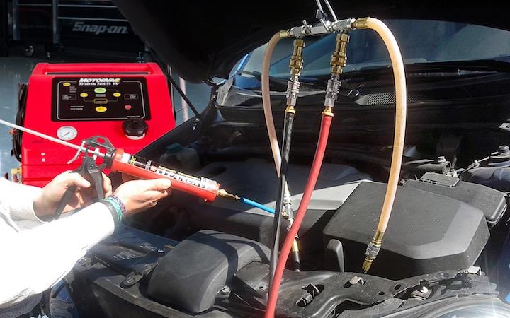 Zo eenvoudig flush je een automatische versnellingsbak met de MotorVac TransTech III +